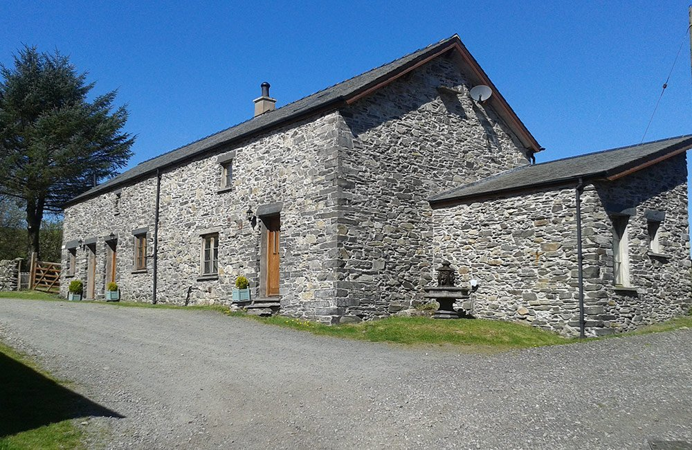 Blacksmiths holiday cottage exterior 2